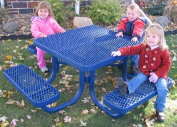 133 sq kids table